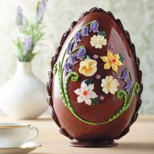 https___www.bettys.co.uk_media_catalog_product_l_a_large-milk-chocolate-spring-flowers-egg-2002150.jpg